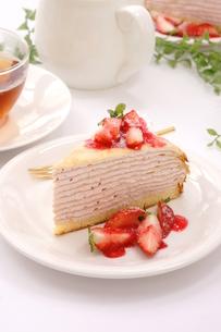 苺のミルクレープ FYI00541037
