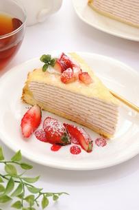 苺のミルクレープ FYI00541046