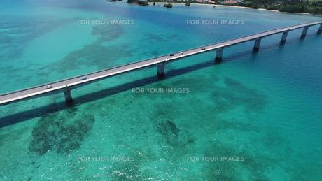 古宇利島大橋の写真素材 [FYI00542553]