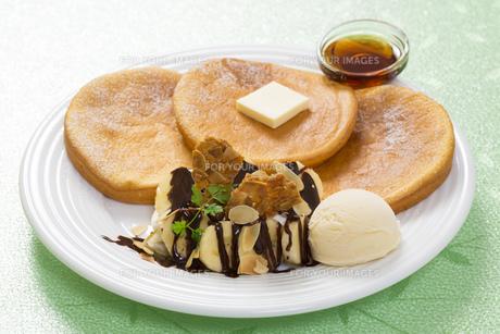 パンケーキとアイスのスイーツ FYI00544801