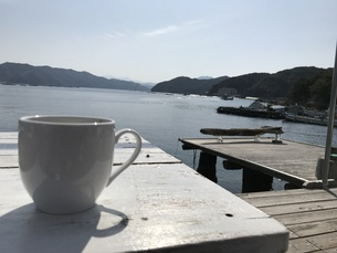海辺でコーヒー FYI00549558