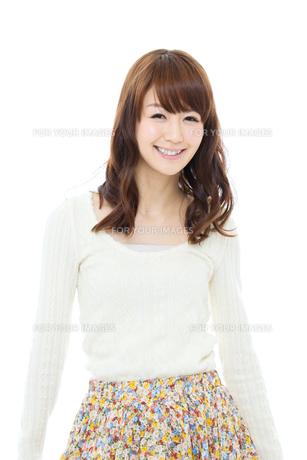 爽やかな若い女性 FYI00558561