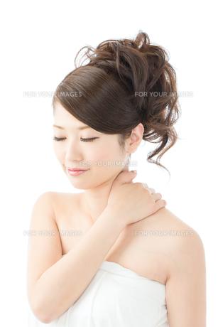 肌の綺麗な女性 FYI00559267