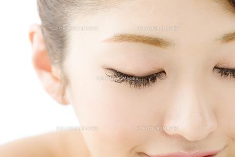 肌の綺麗な女性 FYI00559281