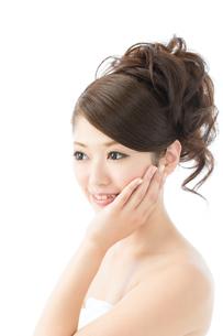 肌の綺麗な女性 FYI00559286