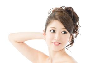 肌の綺麗な女性 FYI00559301