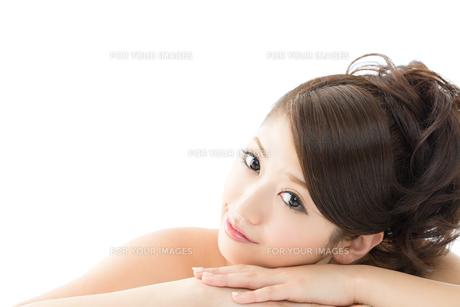 肌の綺麗な女性 FYI00559313