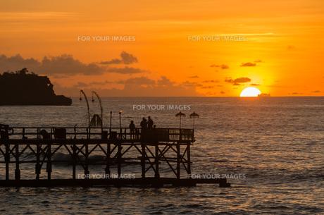 インド洋に沈む夕日 FYI00566756