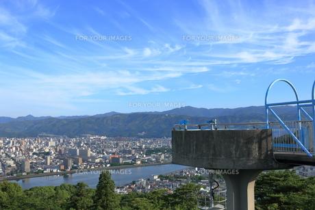 五台山展望台からの眺望 突き出た展望台(早朝) FYI00619818