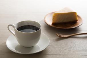 コーヒーとチーズケーキ FYI00633028