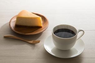 コーヒーとチーズケーキ FYI00633031