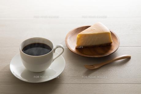 コーヒーとチーズケーキ FYI00633032