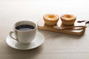 コーヒーとエッグタルト FYI00633033