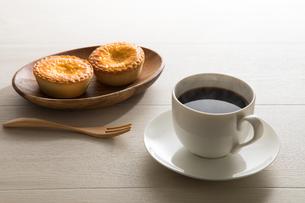 コーヒーとエッグタルト FYI00633034