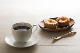 コーヒーとエッグタルト FYI00633037