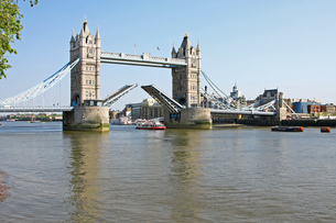tower bridge in london open FYI00701592