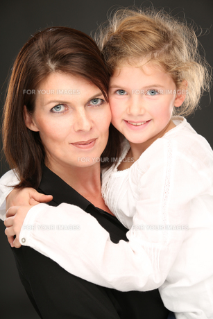 mother and daughter FYI00709814