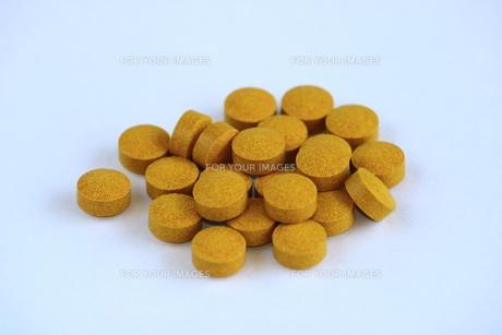 サプリメントの錠剤 FYI00736141