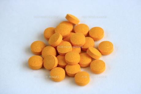 サプリメントの錠剤 FYI00736145