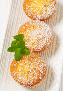 Pudding filled cupcakes FYI00756813
