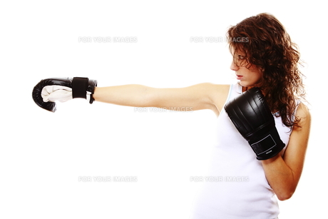 fit woman boxing - isolated over white FYI00765922