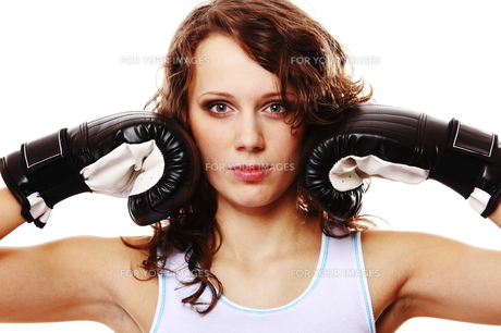fit woman boxing - isolated over white FYI00765926