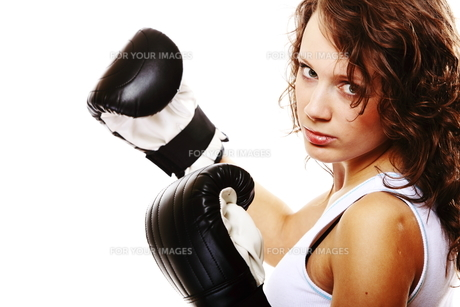 fit woman boxing - isolated over white FYI00765933