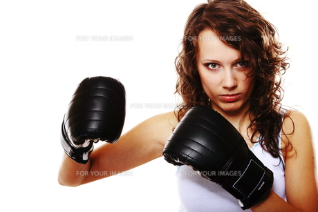 fit woman boxing - isolated over white FYI00765939