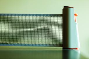 closeup tennis table with net FYI00769757