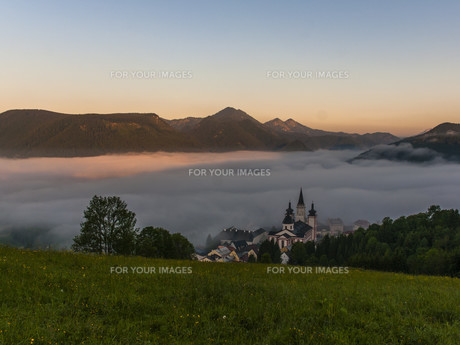 sunrise over mariazell FYI00782624