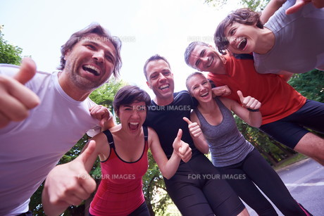 jogging people group have fun FYI00793656
