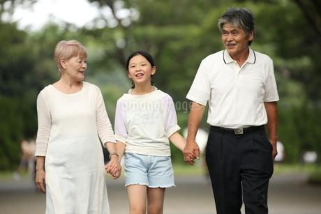 祖父母と孫 FYI00795586