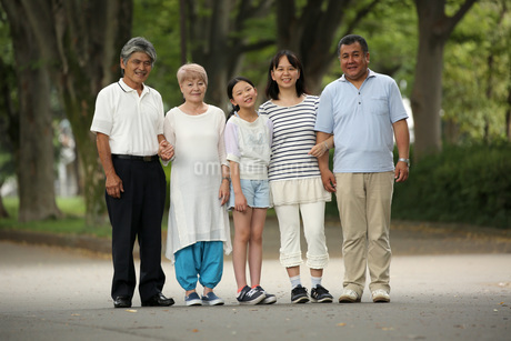仲良し5人家族 FYI00795587