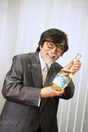 シャンパン飲みませんか?の素材 [FYI00795987]