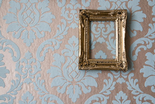 baroque picture frames on baroque wallpaper FYI00797515