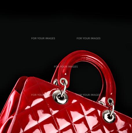 clothes_adornment FYI00834282