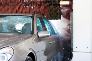 car in the car wash FYI00841116