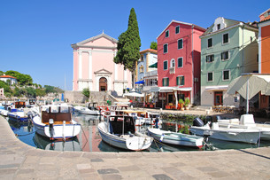 the picturesque resort of veli losinj on the island of losinj in the kvarner bay FYI00846511