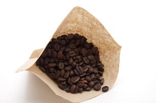 fresh coffee beans FYI00868652