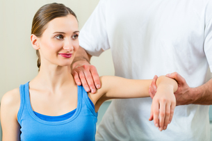 patient at the physiotherapy FYI00876029