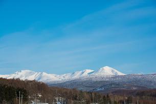 青空と雪山 FYI00885732