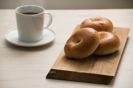 ベーグルの朝食 FYI00887500