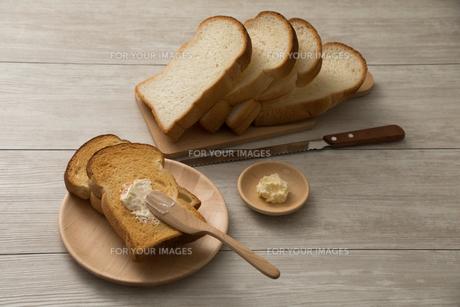 朝食のトースト FYI00887959