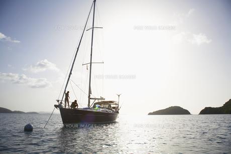 Couple on sailboat FYI00903766