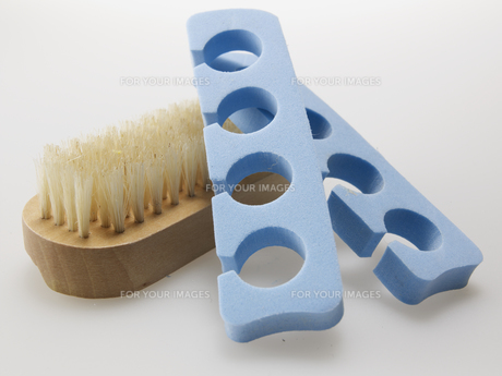 Nail Brush and Toe Spacers FYI00907259