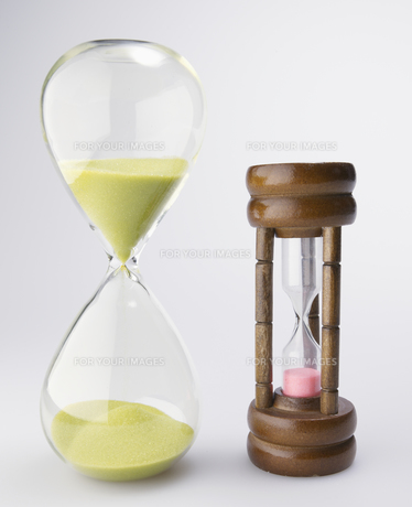 Two Hourglasses FYI00907461