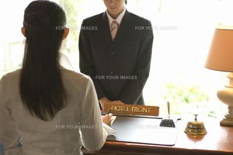 ホテルのフロント FYI00909814