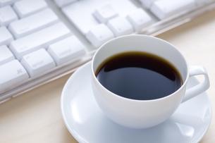 コーヒーとキーボード FYI00913770