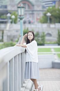 若い女性のポートレート FYI00922027