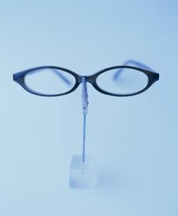 メガネ カード立て 顔 FYI00934314